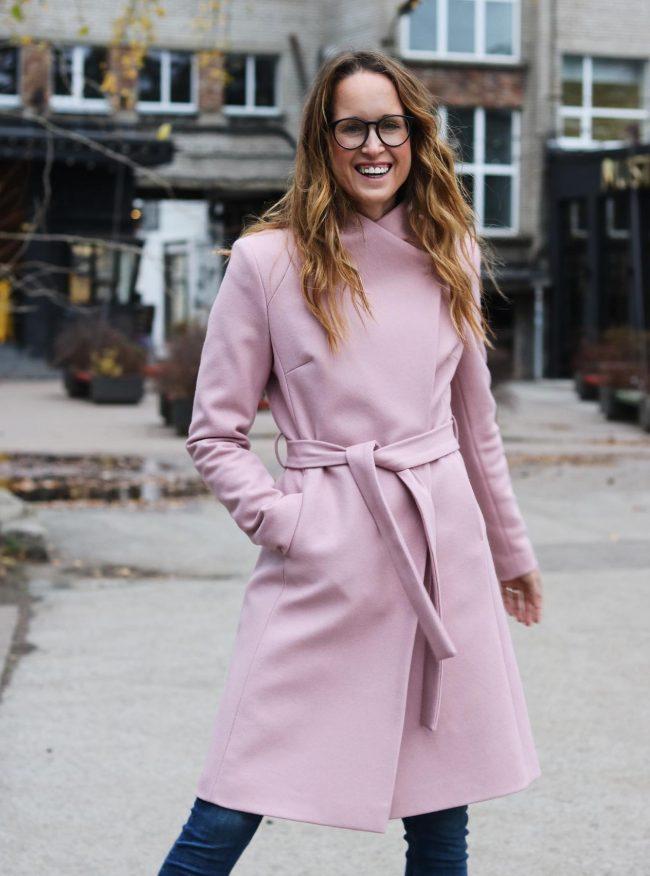 roosa mantel